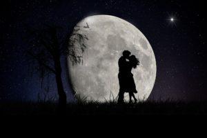新月や満月のエネルギーが与える恋愛運への影響とは